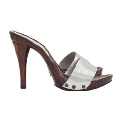 SEXY MULE IN SILVER LEATHER...