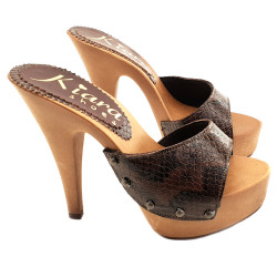 CLOGS IN LEATHER PYTHON...